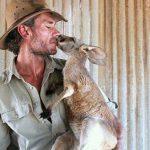 Kangaroo Dundee – Der Mann, der kleine Kängurus rettete
