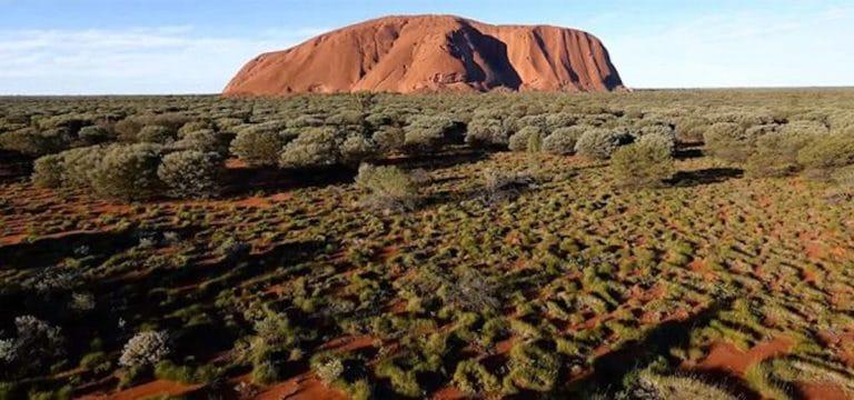 Das erste Uluru Video aus der Luft