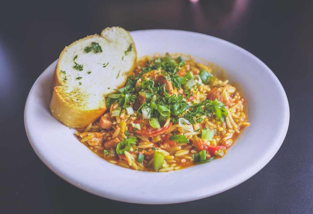 Reis mit vegetarischem Chilli
